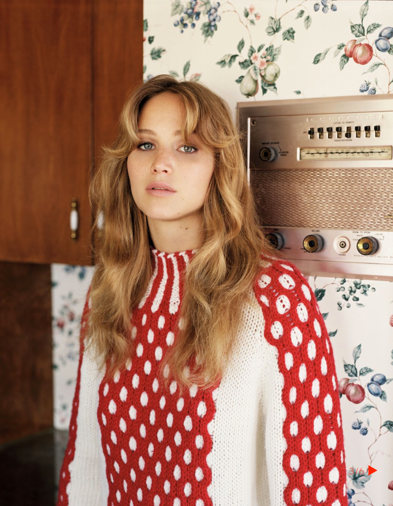 Jennifer-Lawrence-in-Vogue-UK-November-2012-Editorial-8