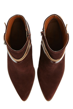 warehouse_boots
